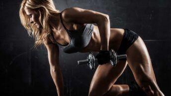 Rutina con pesas para mujer
